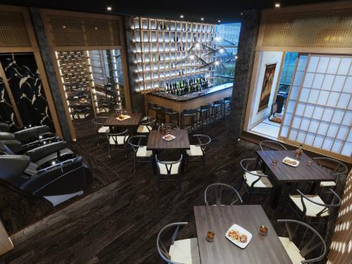 Hệ thống các vườn treo xen kẽ, sảnh lounge hiện đại, quầy bar đẳng cấp, vườn Zen xanh mát và lối thiết kế linh hoạt, thông minh ở từng căn hộ là những nét đặc trưng của Park 1. Liên hệ thăm quan nhà mẫu hoặc đăng ký mua căn hộ Grand Park Tokyo Touch: 0123 355 5569