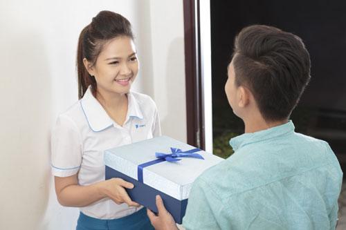 Trải nghiệm toàn trình có nghĩa là chỉ cần đến với nhà mạng VNP khách hàng sẽ được chăm sóc và phục vụ chu đáo từ đăng ký dịch vụ, hướng dẫn sử dụng dv, tận hưởng những tiện ích của dịch vụ vv& em nhé