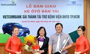 Vietcombank Sài Thành tặng xe cho Bệnh viện Đại học Y dược