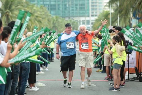 5000-nguoi-tham-du-cuoc-thi-marathon-quoc-te-da-nang-2017-1