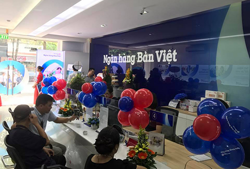 ngan-hang-ban-viet-tang-them-15-diem-giao-dich