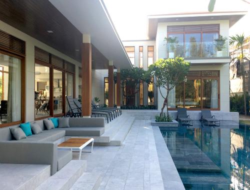 Không gian hiện đại sang trọng với hồ bơi có diện tích lên đến 84 m2.