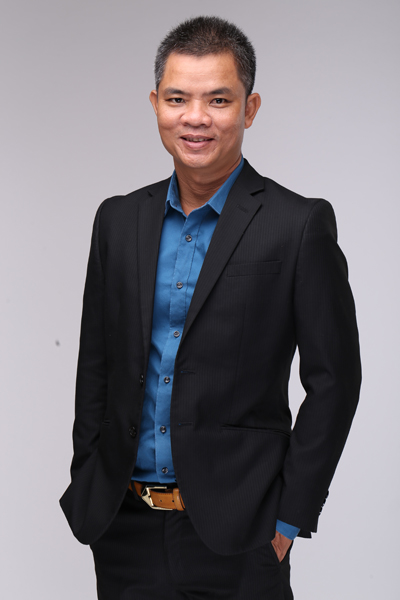 Phong  Giám đốc công ty Huấn Nghệ, chia sẽ kinh nghiệm xử lý hồ sơ xin TRP cho khách hàng tại Việt Nam.