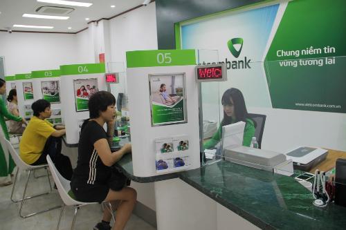 nha-nuoc-sap-nhan-hon-2200-ty-dong-co-tuc-tu-vietcombank