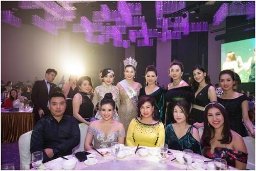 doanh-nhan-nguyen-thu-trang-tham-gia-mrs-asia-international-2017-6