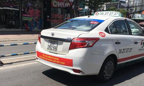 tai-xe-vinasun-dong-loat-go-bieu-ngu-phan-doi-uber-grab