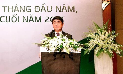 Chủ tịchVietcombankNghiêm Xuân Thành nhấn mạnh ngân hàng sẽhoàn thànhvượt mức chỉ tiêuđề ra đếncuối 2017.
