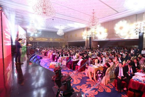 Gần 1000 nhà đầu tư đã hội tụ tại lễ ra mắt dự án Vinpearl Nam Hội An Resort & Villas.