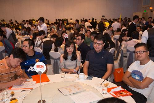 700 khách tham dự và nhà đầu tư thạm gia sự kiện. Hotline: 0936 69 19 19 (EZ Land), 0906 602 605 (UniHomes), 0938 787 815 (DKRV). Website: http://hausneo.vn/