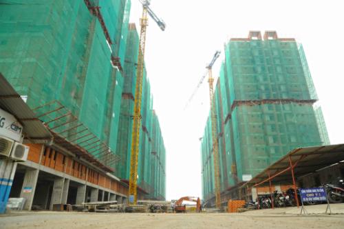 Him Lam Phú An (quận 9) có tỷ lệ hấp thụ cao, hiện dự án đã cất nóc toàn bộ 4 block và dự kiến bàn giao vào tháng 6/2018, sớm hơn 2 tháng so với kế hoạch