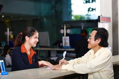 Mọi thông tin chi tiết, khách hàng vui lòng truy cập:  -           Website: www.sacombank.com.vn; hoặc khuyenmai.sacombank.com;  -           Hotline 24/7 theo số điện thoại: 1900 5555 88;  -           Email: ask@sacombank.com.