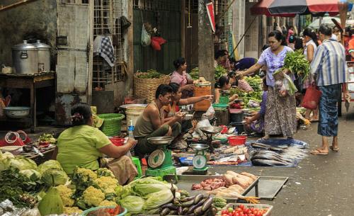 Myanmar thất thu vì dân không muốn đóng thuế