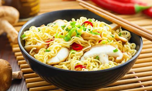 Việt Nam tiêu thụ 4,9 tỷ gói mì một năm