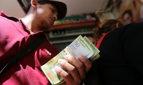 lam-phat-venezuela-vuot-4000
