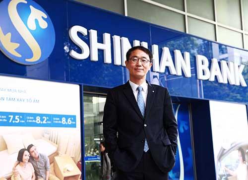 Ông Shin Dong Min - CEO Shinhan Bank Việt Nam. Ảnh: Shinhan Bank Việt Nam.