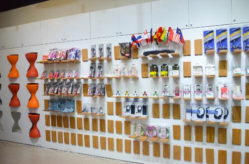 khai-truong-showroom-trung-bay-san-phm-cong-nghe-tai-vn-1