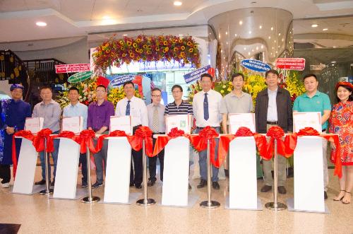 khai-truong-showroom-trung-bay-san-phm-cong-nghe-tai-vn
