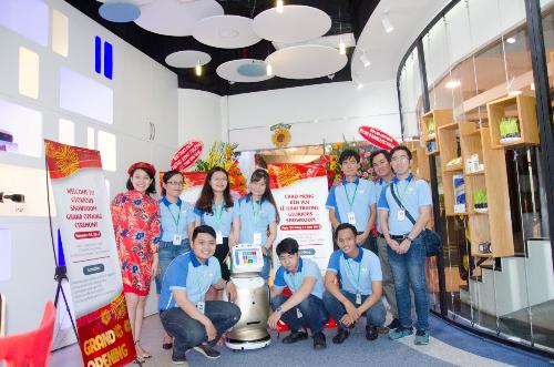 khai-truong-showroom-trung-bay-san-phm-cong-nghe-tai-vn-6