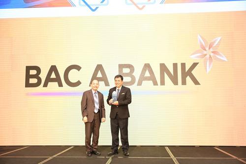 bac-a-bank-duoc-vinh-danh-ngan-hang-tieu-bieu-vi-cong-dong