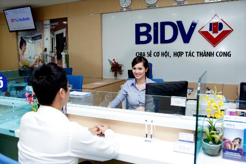 Mọi thắc mắc liên quan đến chương trình khuyến mại, quý khách vui lòng liên hệ các Chi nhánh của BIDV trên toàn quốc hoặc liên hệ Trung tâm Chăm sóc khách hàng theo số điện thoại 1900 9247.