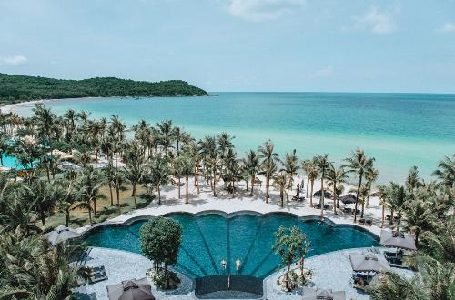 ben-trong-resort-duoc-vinh-danh-dang-cap-nhat-chau-a-8