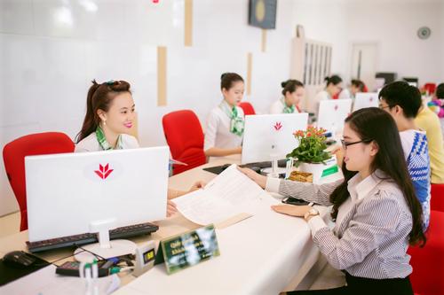 VPBank đưa ra nhiều chính sách ưu đãi hỗ trợ các bạn trẻ.