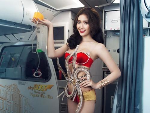 hot-girl-my-goi-cam-ben-tau-bay-vietjet-5