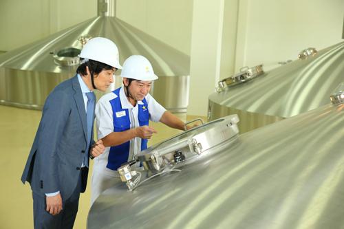 Quy trình sản xuất bia của Sapporo luôn đảm báo chất lượng và được giám sát chặt chẽ.