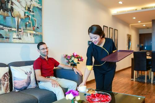 5 Seasons xác lập chất lượng sống cao cấp thông qua những dịch vụ theo tiêu chuẩn khách sạn 5 sao.