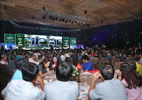 Hơn 400 khách hàng đã đến tham dự buổi công bố chính thức dự án Đông Tăng Long  Hưng Lộc