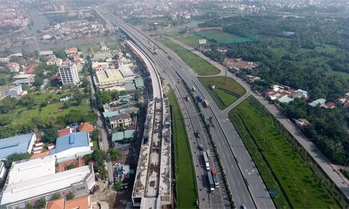 Cơn sốt đất tại TP HCM đã khiến cho bảng giá đất do thành phố ban hành trở nên lạc hậu so với giá giao dịch trên thị trường. Ảnh: Vũ Lê