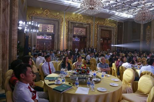 Đông đảo khách hàng tham gia và ấn tượng trước lễ ra mắt Regent Residences Phu Quoc.Đâylà dự án đầu tiên đánh dấu sự có mặt của Regent - thương hiệu khách sạn tầm cỡ quốc tế tại Việt Nam. Chủ đầu tư kỳ vọng dự án sẽ bắt kịp các khu nghỉ dưỡng hàng đầu như InterContinental Đà Nẵng, The Nam Hai, JW Marriot Phú Quốc hay Amanoi Vĩnh Hy.