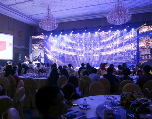 Với lịch sử phát triển gần 50 năm, tập đoàn Regent Hotels Group hiện sở hữu và điều hành gần 20 khách sạn, khu nghỉ dưỡng trên toàn cầu. Trong đó, Regent Hotels & Resorts là thương hiệu cao cấp nhất trong hệ thống.Mang tư duy phát triển độc bản nhưng đậm nét bản địa, Regent Hotels & Resorts là một trong những thương hiệu được nhiều ngôi sao, người nổi tiếng yêu thích. Regent Residences Phu Quoc thừa hưởng toàn bộ tinh hoa của thương hiệu Regent.