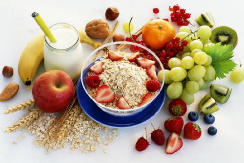 Các loại thực phẩm giàu vitamin và các khoáng chất.
