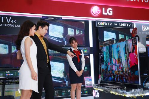 Với hơn 30 sản phẩm đang có mặt trên thị trường, LG là hãng sở hữu số lượng model TV 4K nhiều nhất, phủ khắp phân khúc giá.