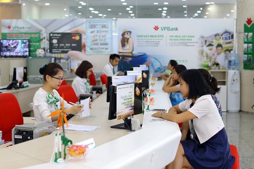 VPBank tung nhiều ưu đãi cho khách hàng.