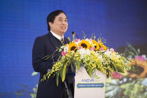 Ông Nguyễn Hiếu Liêm, Tổng giám đốc tập đoàn Anova phát biểu tại lót lỡi.