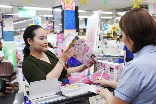 Khách hàng VIP đủ điều kiện có thể liên hệ với siêu thị Co.opmart hoặc Co.opXtra gần nhất để nhận quà Tết đến hết ngày 15/1.