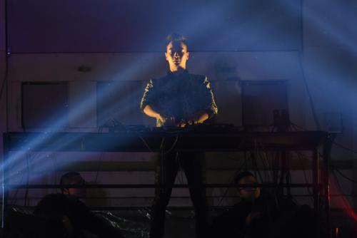 Đêm nhạc có sự tham gia của ba DJ Việt đình đám SlimV, Javixx và Huy DX