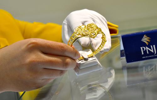 Giá vàng trong nước tăng vài chục nghìn đồng mỗi lượng sáng nay. Ảnh: Lệ Chi.
