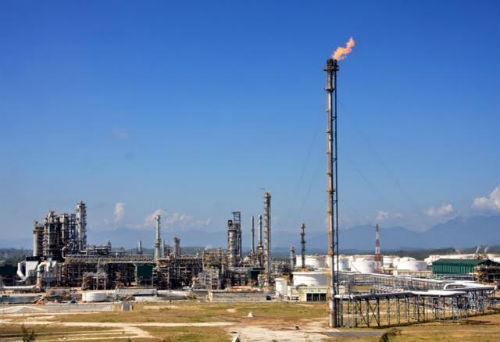 Công ty lọc hoá dầu Bình Sơn sẽ chào bán công khai 7,79% cổ phần trong đợt IPO vào 17/1 tới.