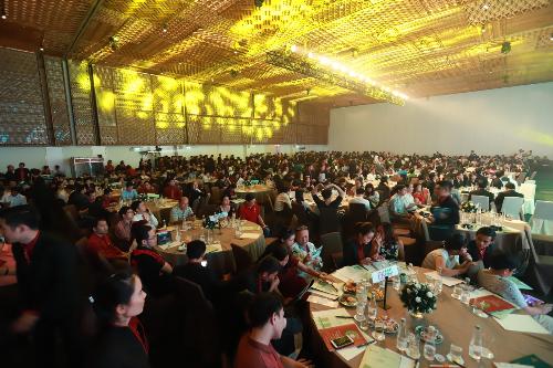 Hơn 800 khách hàng đến tham dự lễ công bố phiên bản đặc biệt Diamond Lotus Riverside Special