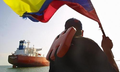 Xuất khẩu dầu là nguồn thu chủ yếu của Chính phủ Venezuela. Ảnh: AFP