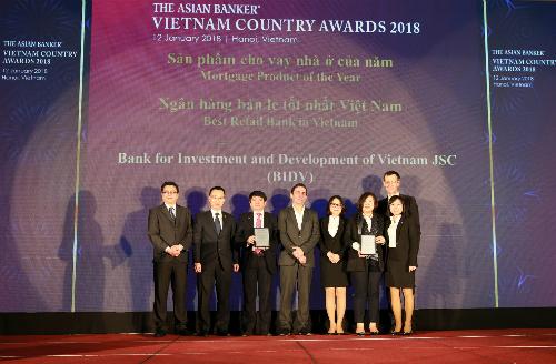 Năm thứ 4 liên tiếp BIDV nhận giải Ngân hàng bán lẻ tốt nhất Việt Nam.