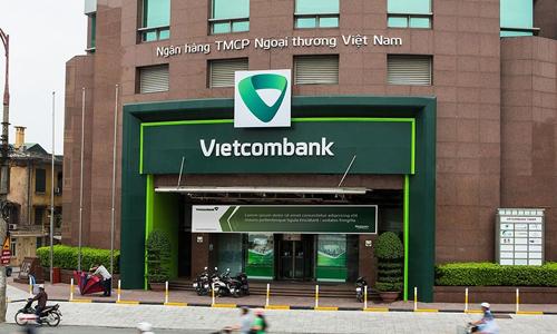 Vietcombank là ngân hàng đầu tiên đạt lợi nhuận trên 10.000 tỷ đồng.