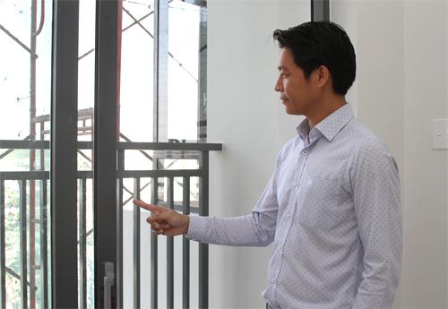 So với thiết kế ban đầu, công ty đã nâng cấp nhiều hạn mục nhằm nâng cao chất lượng và tiện ích cho cư dân. Cụ thể như hệ cửa kính lúc đầu sử dụng nhôm trắng nhưng công ty đã quyết định thay toàn bộ bằng nhôm xám có giá thành cao hơn 15% nhưng không tính chi phí này vào giá mua nhà. Hệ nhôm mới giúp tăng độ bền, sự linh hoạt trong sử dụng và tính thẩm mỹ cho căn hộ.