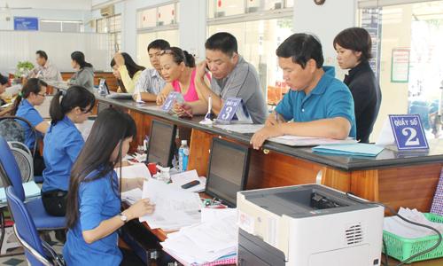 Việt Nam hiện có khoảng 2 triệu công viên chức.