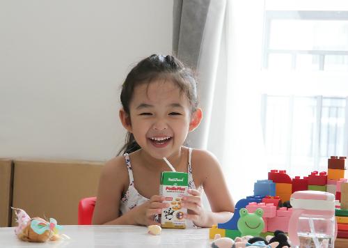Các bác sĩ của NutiFood phân tích, dinh dưỡng hợp lý cho trẻ là phải cung cấp đúng thời điểm theo từng giai đoạn phát triển.