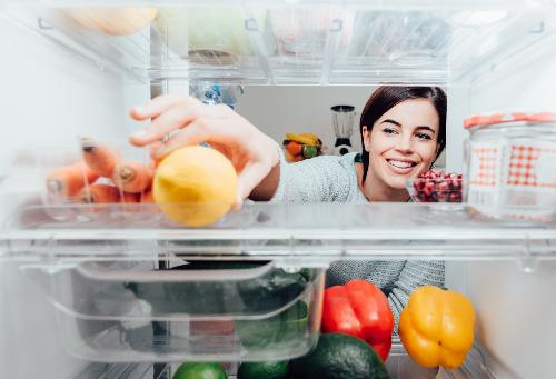 Tủ lạnh mua dùng hay mua tặng đều cần phải dễ dàng, thuận tiện sử dụng.