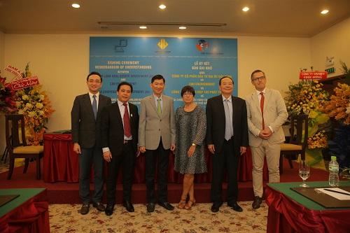 Các công ty vinh dự chào đón ông Trần Vĩnh Tuyến - Phó Chủ tịch TP HCM và bà Jehanne Roccas - Đại sứ Vương Quốc Bỉ chứng kiến lễký kết